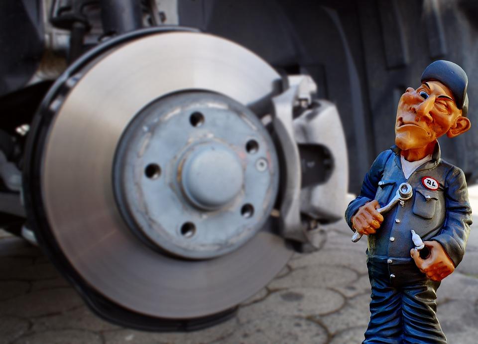 auto-mechanic-2829141_960_720