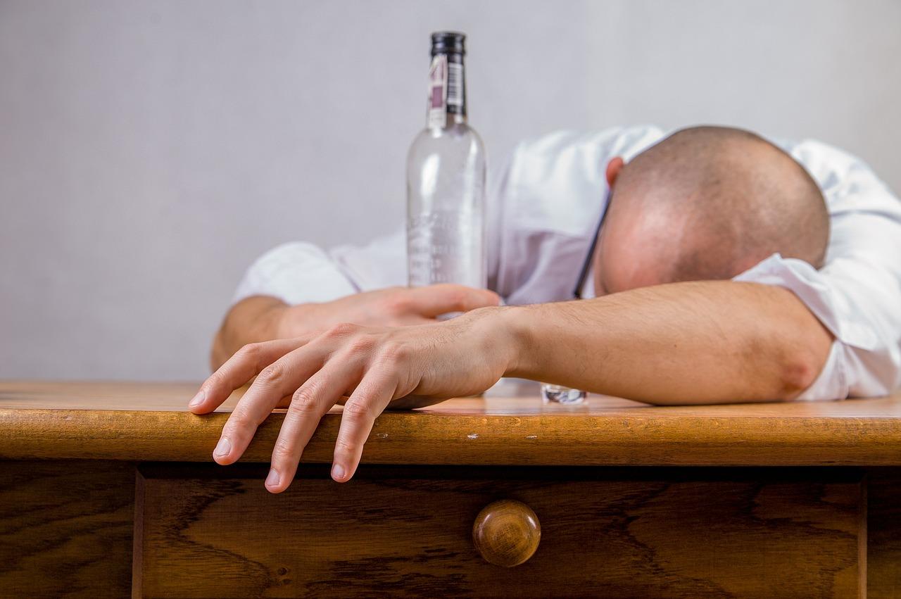 jak poznám že jsem alkoholik